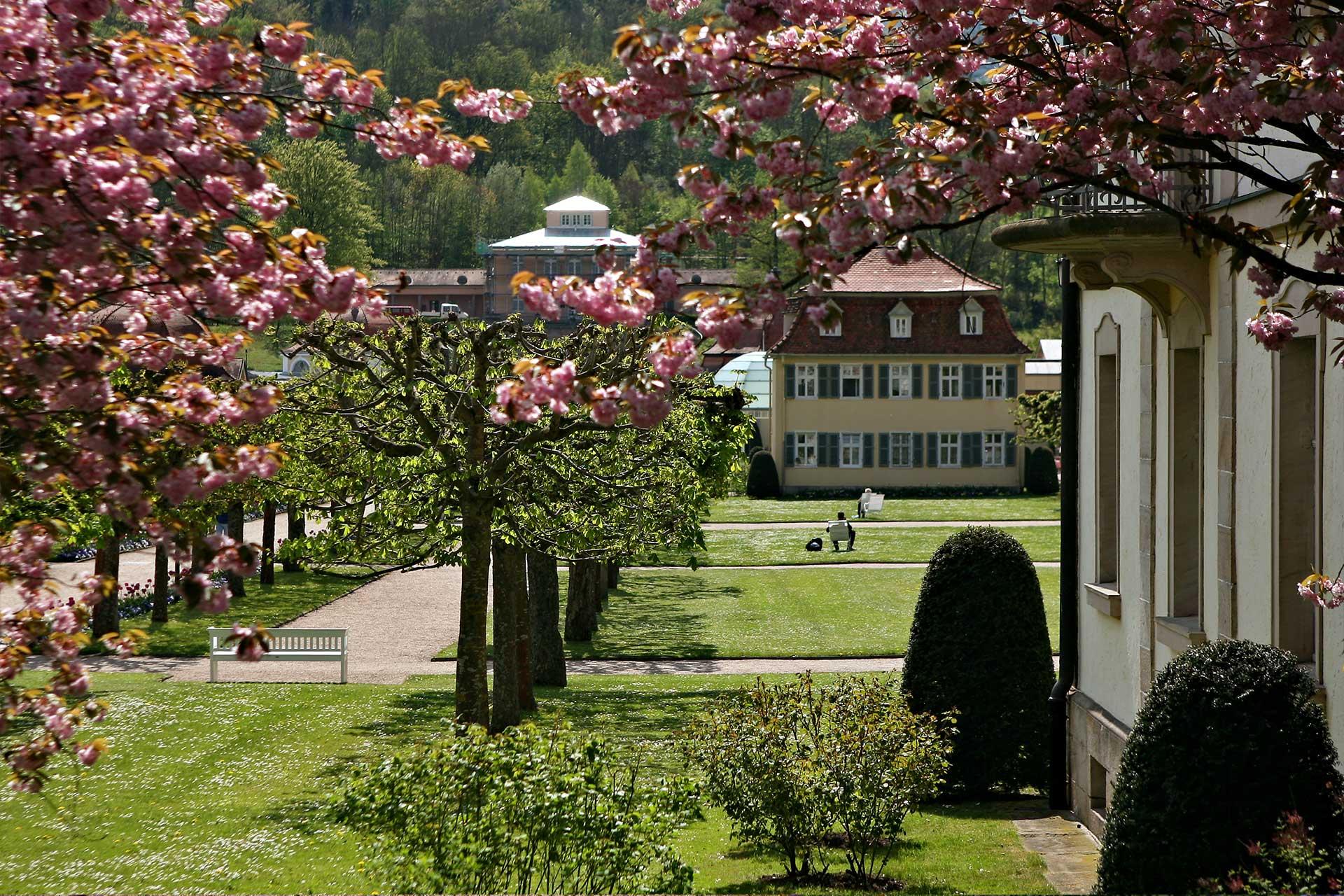 Badhotel Bad Brückenau Im Herzen Des Idyllischen Kurparks